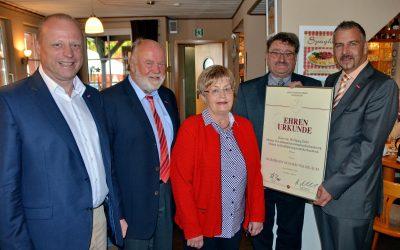 Auszeichnung Wolfgang Diehl und Firma durch HWK und KH in Brandoberndorf